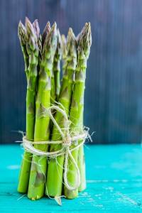Green asparagus stems