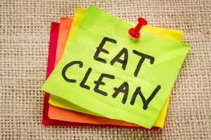 'clean eating' on a post-it note