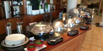 buffet-breakfast-2339903_640